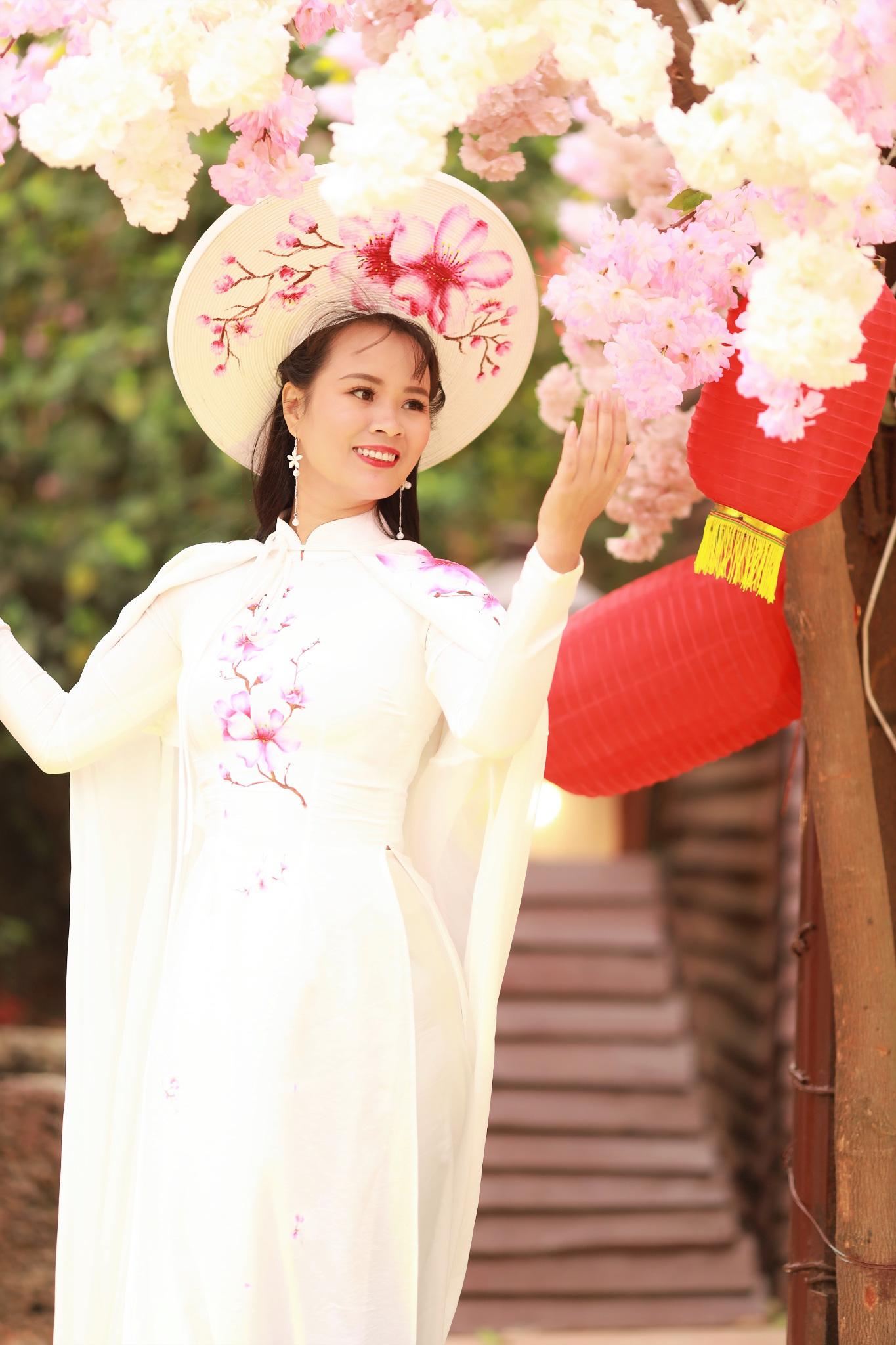 Vẻ đẹp thần tiên tỉ tỉ của Phạm Thị Ngọc Thanh trong bộ ảnh đón xuân - Ảnh 3.