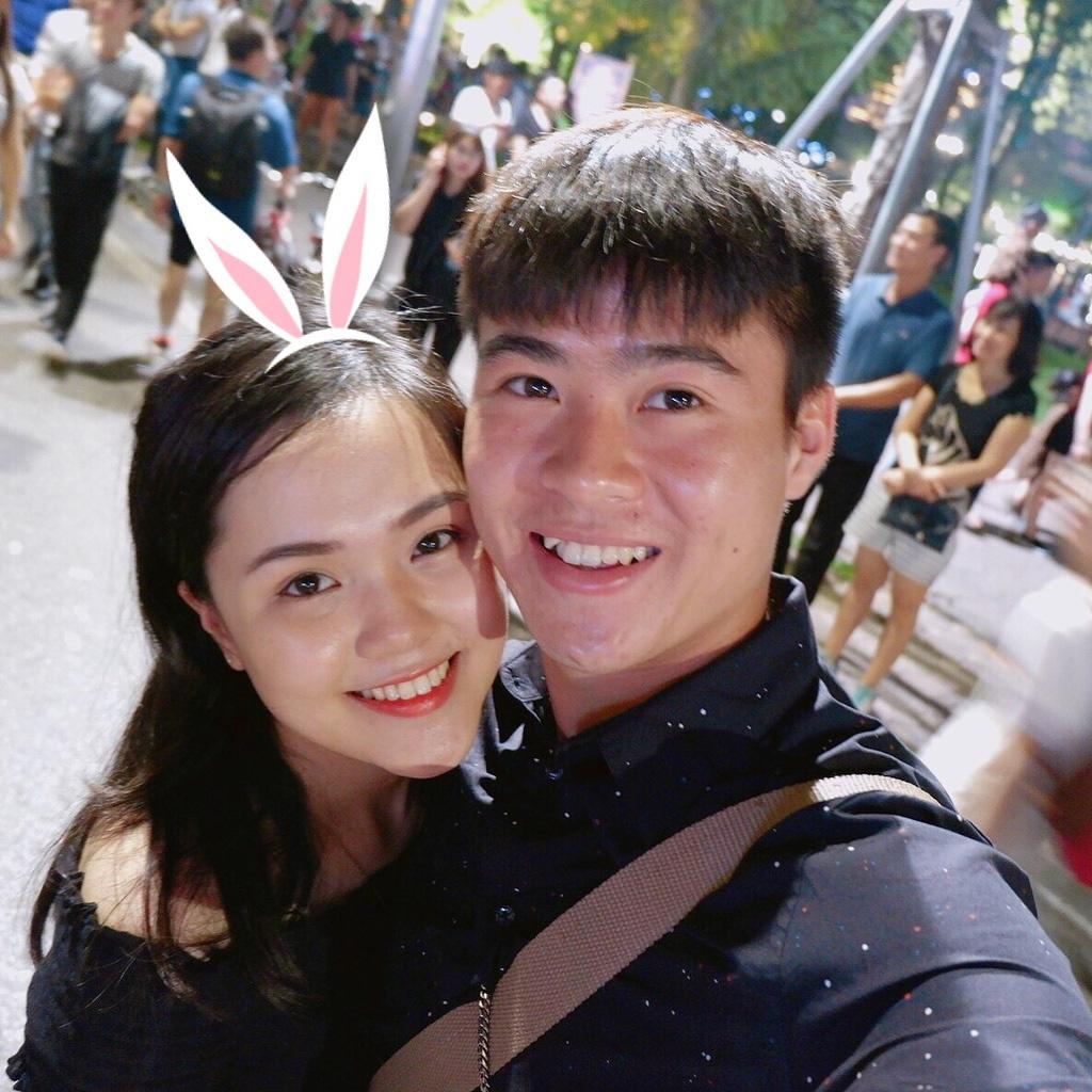 """7 nàng WAGs Việt Nam xinh đẹp, kiếm tiền """"đỉnh"""": Có người kiếm 1 năm 100 tỷ - Ảnh 1."""