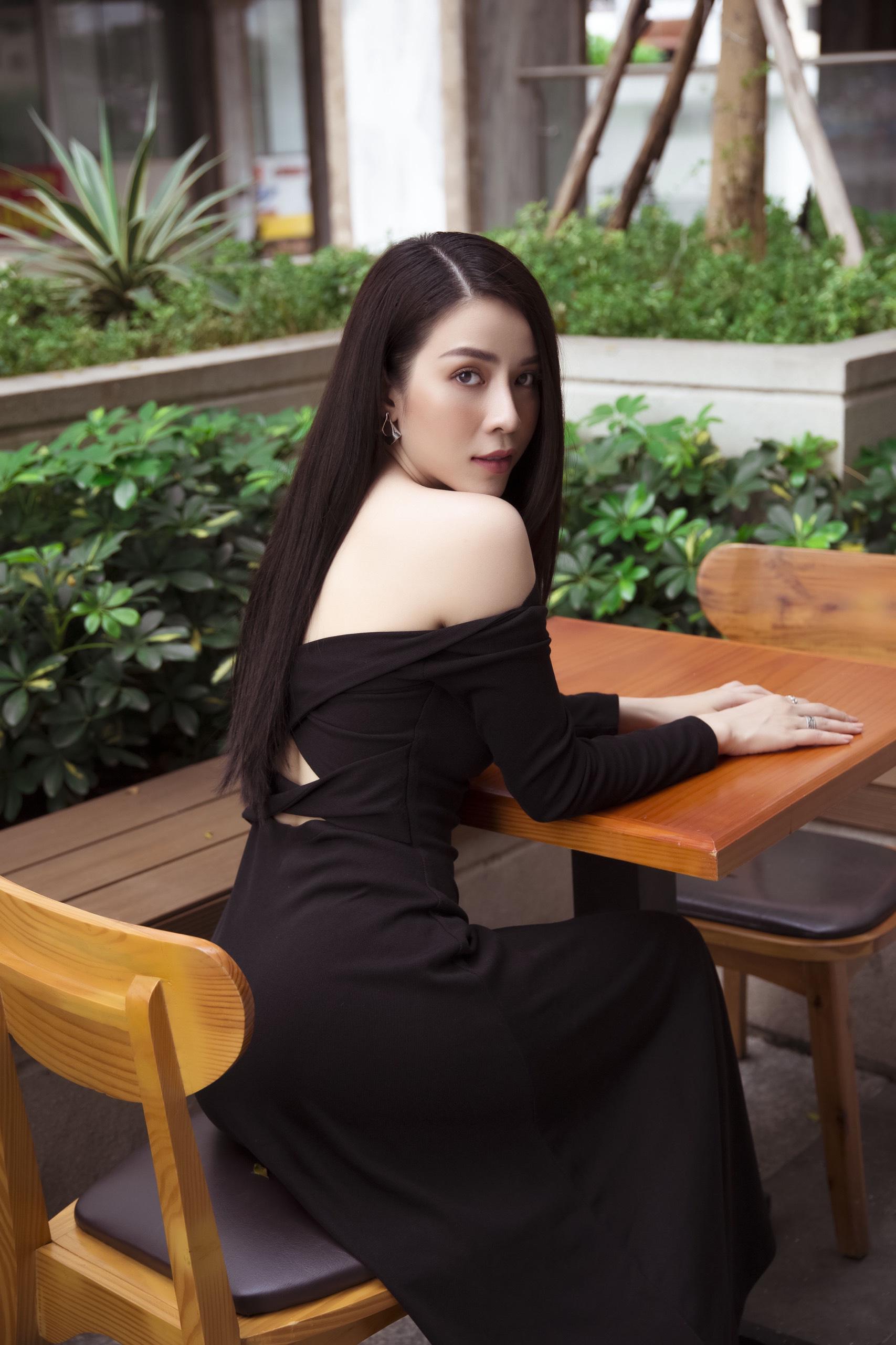 """Én vàng Ngô Phương Anh: """"Tôi không hối hận khi đóng vai ác nữ"""" - Ảnh 1."""