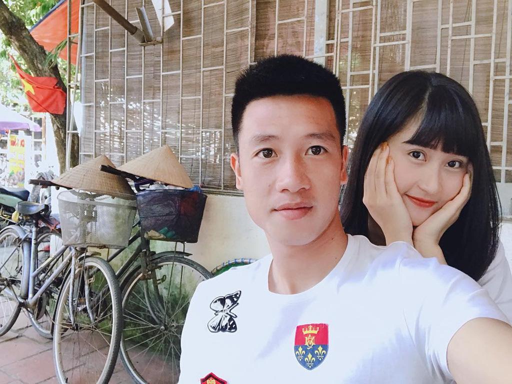 """7 nàng WAGs Việt Nam xinh đẹp, kiếm tiền """"đỉnh"""": Có người kiếm 1 năm 100 tỷ - Ảnh 5."""