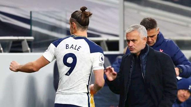 Giở thái độ với HLV Mourinho, Bale nhận ngay cái kết đắng - Ảnh 1.