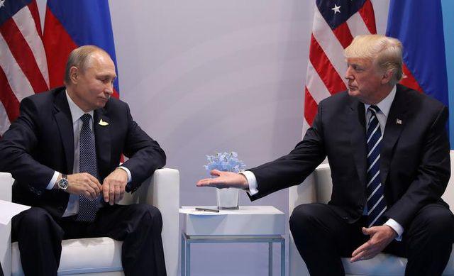 Những bức ảnh ghi dấu ấn của Tổng thống Mỹ Donald Trump trên chính trường thế giới - Ảnh 2.