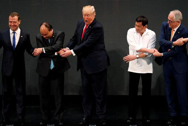 Những bức ảnh ghi dấu ấn của Tổng thống Mỹ Donald Trump trên chính trường thế giới - Ảnh 7.