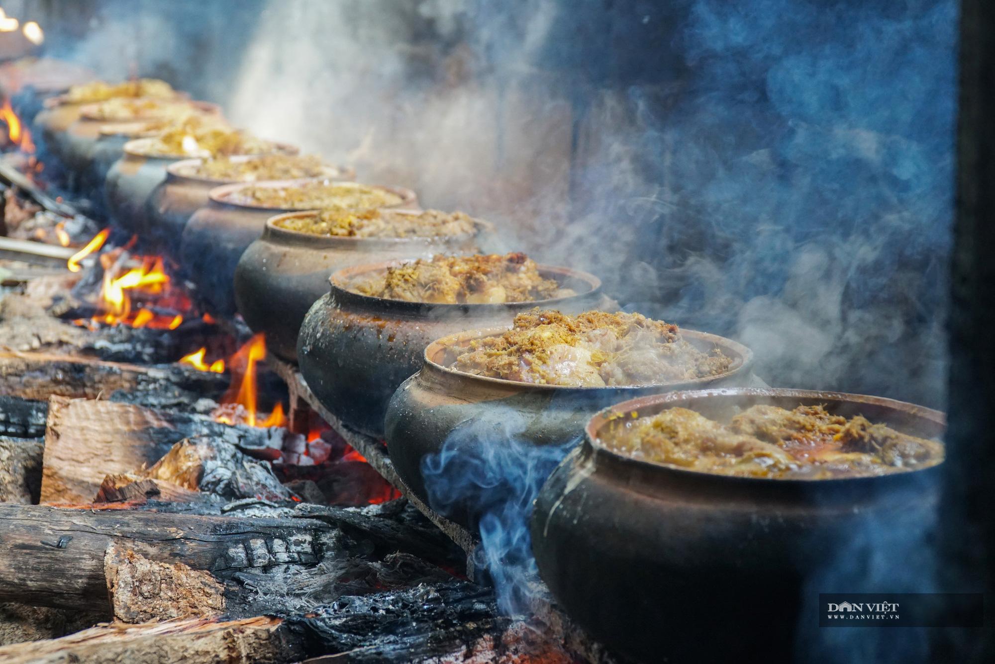 Nghi ngút khói bếp kho cá làng Vũ Đại những ngày cận Tết - Ảnh 7.