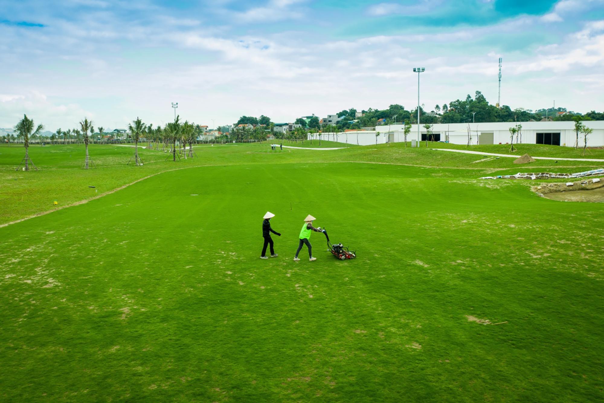 Dự án sân golf lớn nhất Quảng Ninh dự kiến khai thác trong tháng 6/2021 - Ảnh 2.