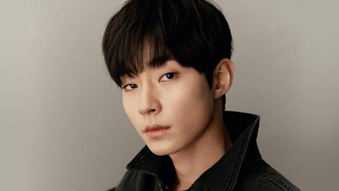"""5 sao nam Hàn Quốc ở 30 tuổi vẫn đóng vai sinh viên khiến fan nữ """"phát cuồng"""" - Ảnh 5."""