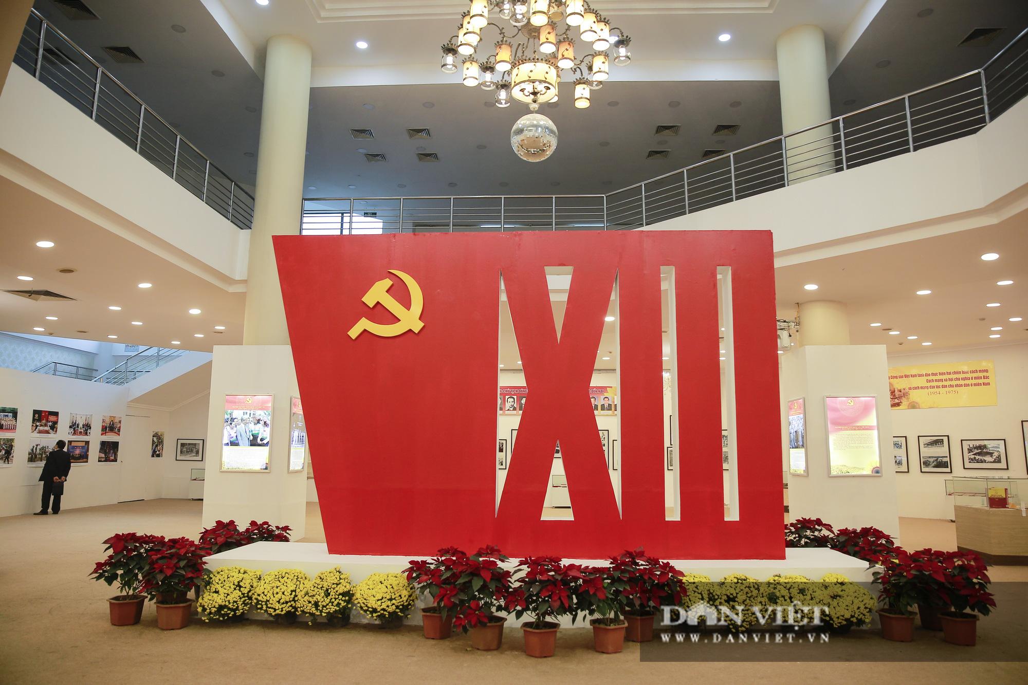 """Cận cảnh những tư liệu quý và khí tài quân sự Việt Nam tại triển lãm """"Đảng ta thật là vĩ đại"""" - Ảnh 12."""