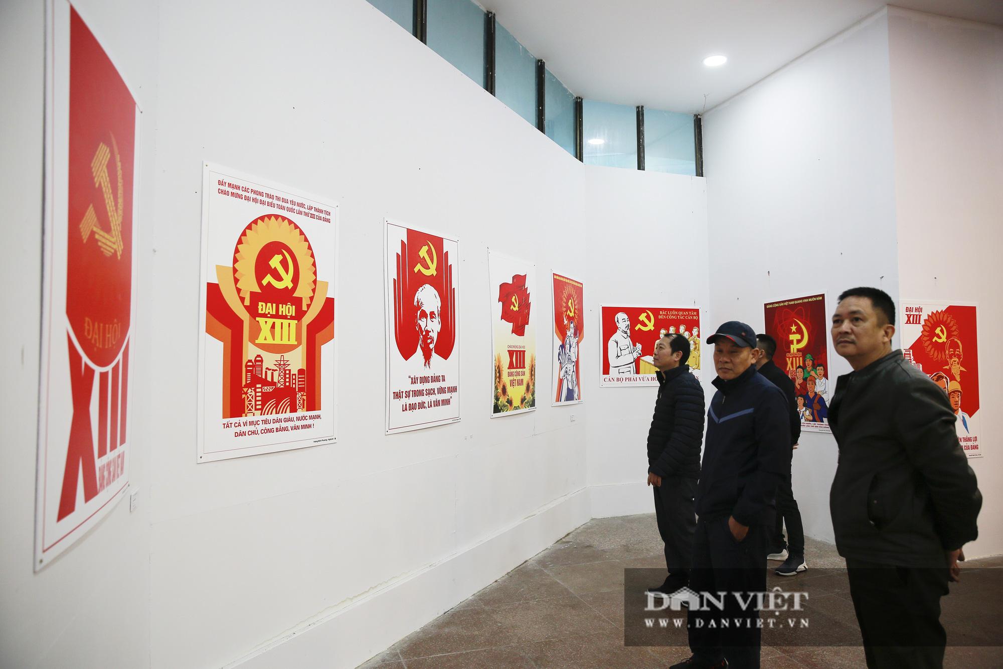 """Cận cảnh những tư liệu quý và khí tài quân sự Việt Nam tại triển lãm """"Đảng ta thật là vĩ đại"""" - Ảnh 2."""