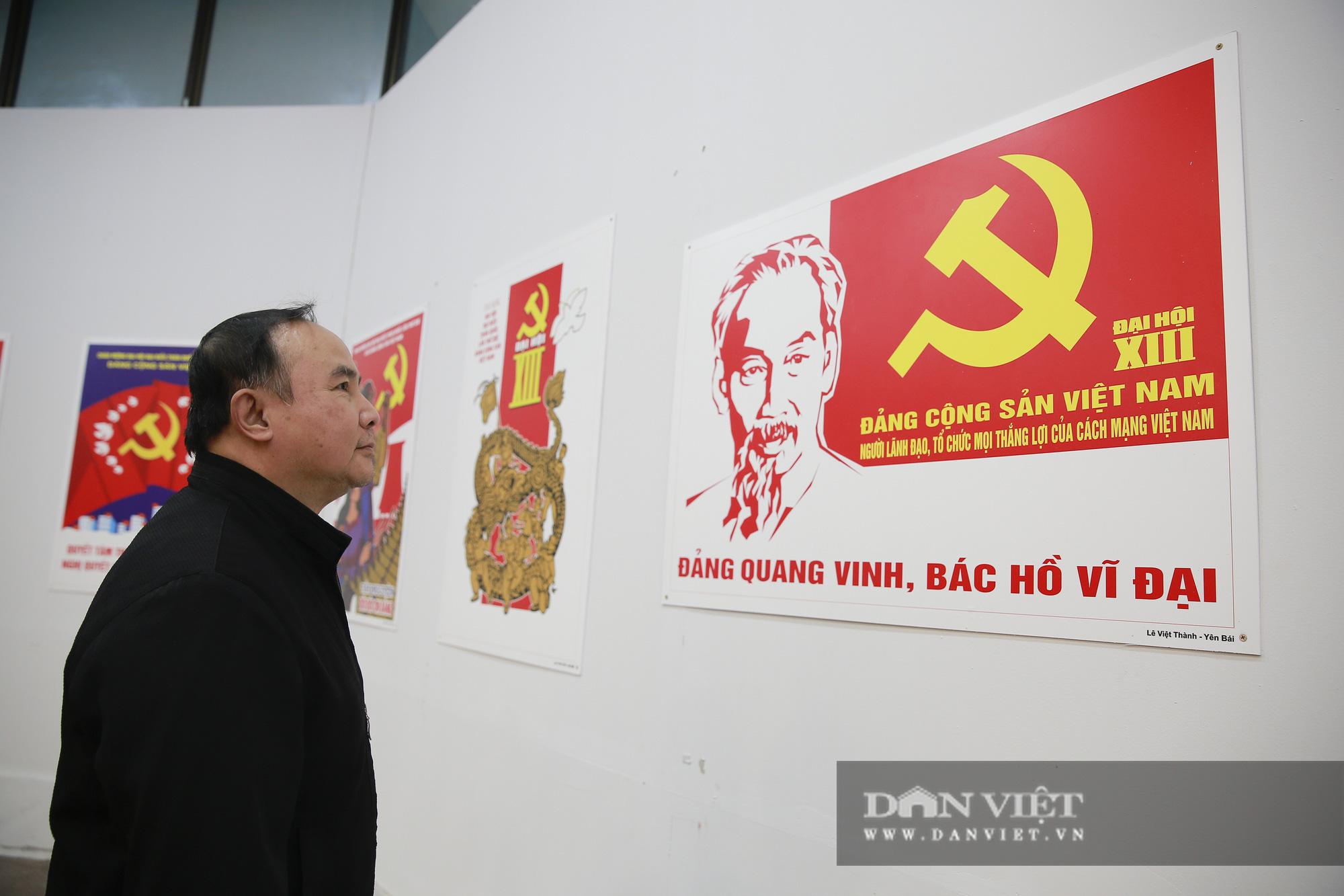 """Cận cảnh những tư liệu quý và khí tài quân sự Việt Nam tại triển lãm """"Đảng ta thật là vĩ đại"""" - Ảnh 4."""