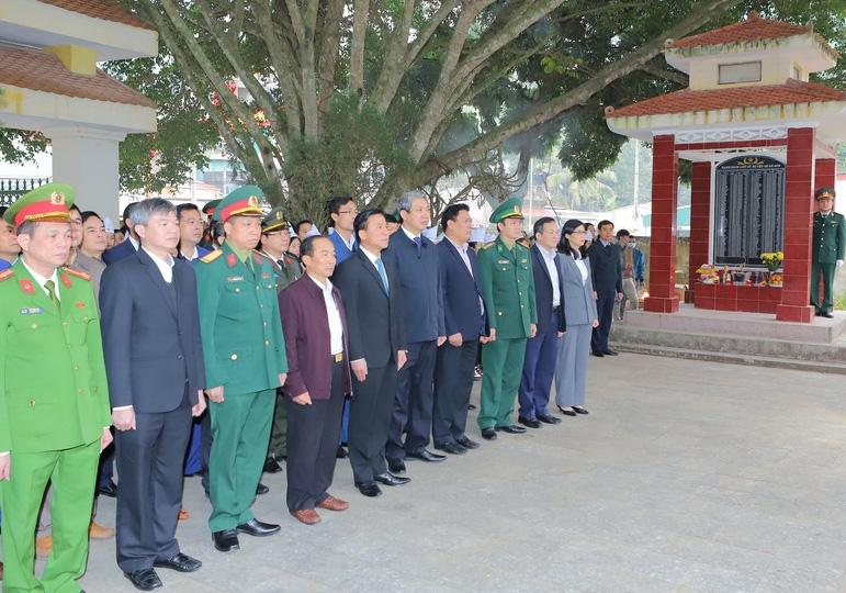 Thanh Hóa: Bí thư Tỉnh ủy thăm kiểm tra tình hình sản xuất và đời sống Nhân dân huyện biên giới Quan Sơn - Ảnh 3.