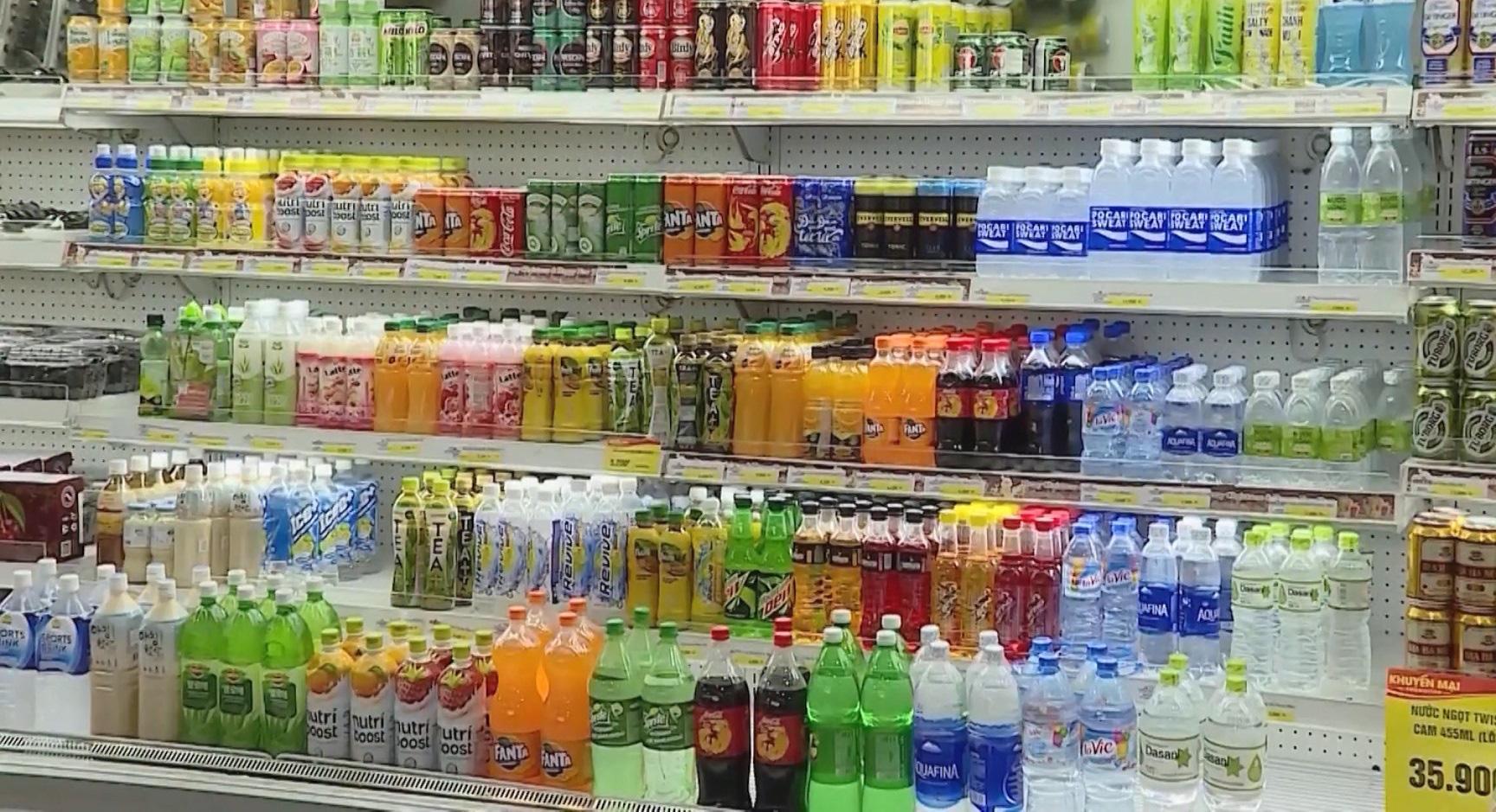 Tp. Hồ Chí Minh: Cận Tết bia, nước ngọt có dấu hiệu tăng giá - Ảnh 2.