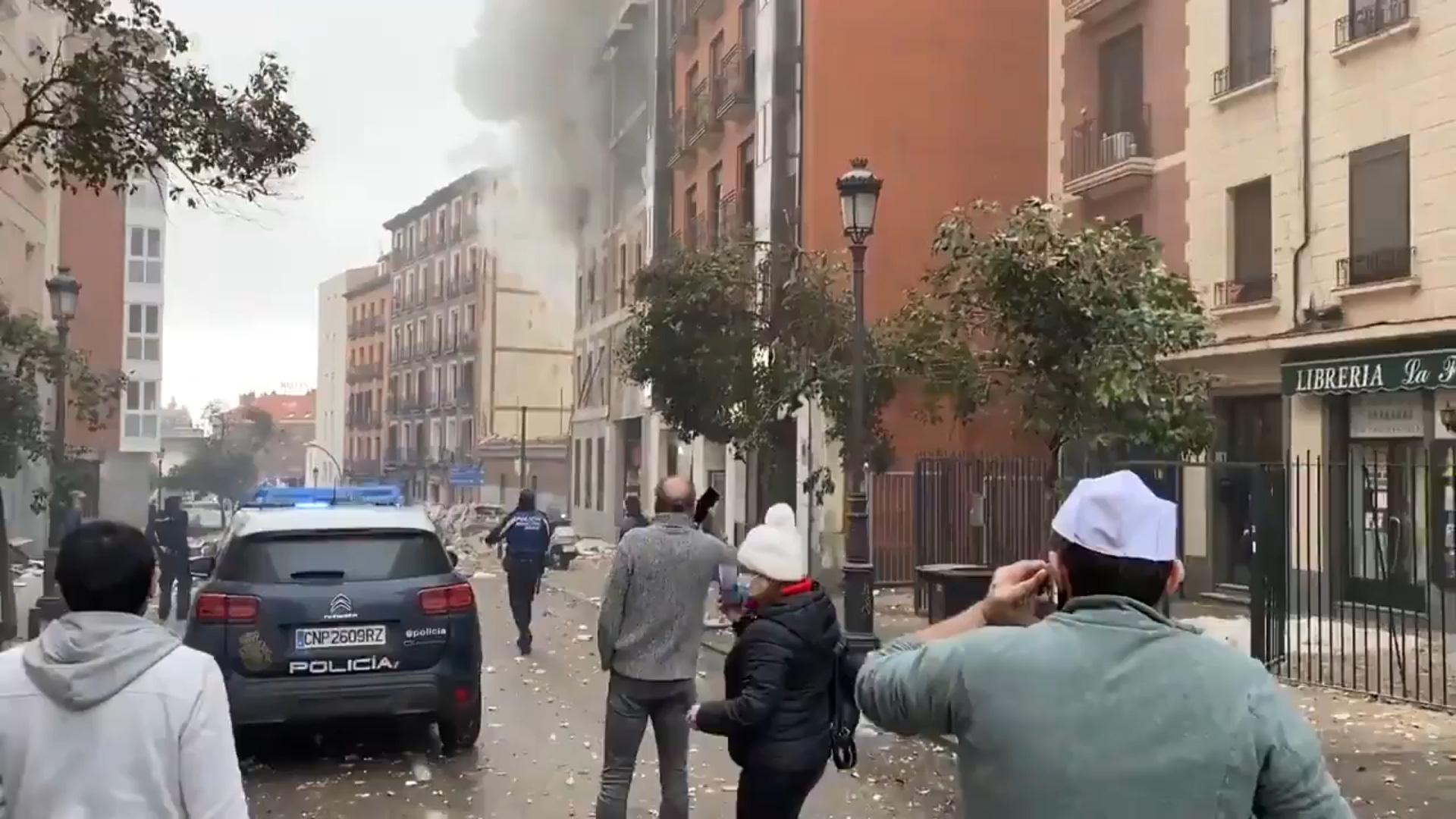 Một vụ nổ lớn rung chuyển đường phố Toledo ở trung tâm Madrid (Tây Ban Nha) - Ảnh 4.