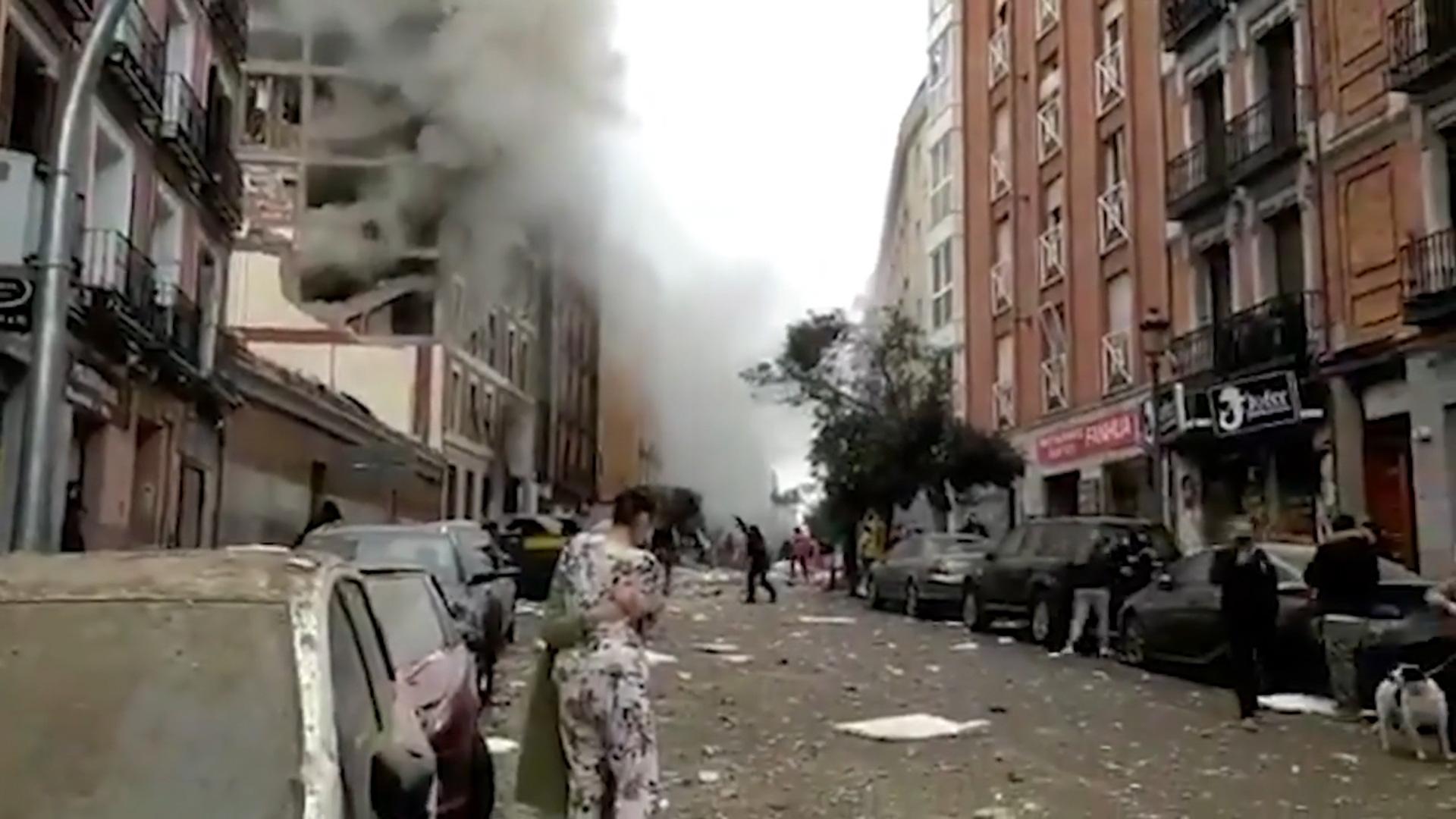 Một vụ nổ lớn rung chuyển đường phố Toledo ở trung tâm Madrid (Tây Ban Nha) - Ảnh 3.