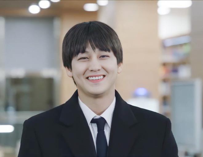 """5 sao nam Hàn Quốc ở 30 tuổi vẫn đóng vai sinh viên khiến fan nữ """"phát cuồng"""" - Ảnh 1."""