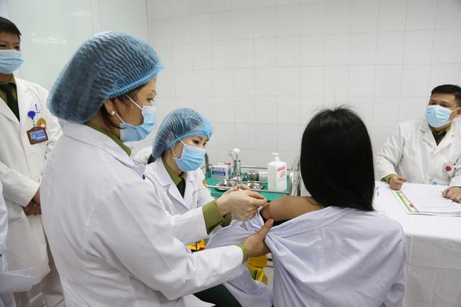 4 ca Covid-19 mới, ngày mai sẽ thử nghiệm vắc xin Covid-19 thứ 2  - Ảnh 1.