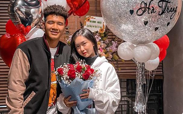 Tương tác ngọt ngào, Đức Chinh và bạn gái khiến dân mạng lụi tim - Ảnh 1.