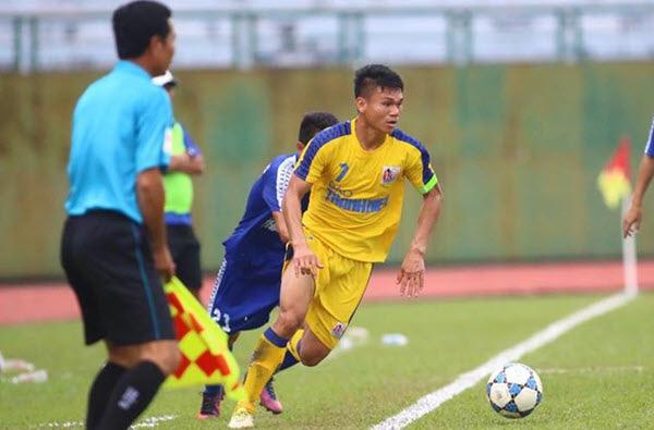 """Cầu thủ """"nghèo"""" nhất U23 Việt Nam cưới vợ: Bán trâu cho con đá bóng - Ảnh 3."""