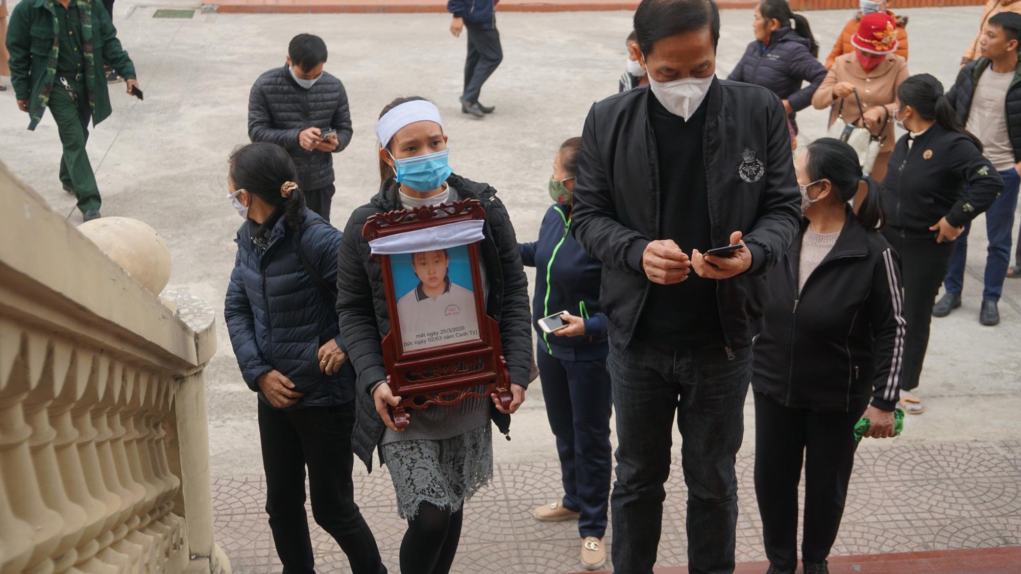 Kẻ sát hại nữ sinh 15 tuổi lĩnh án tử hình - Ảnh 2.