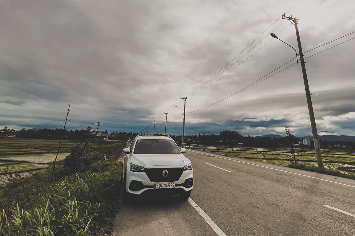 Bỏ qua CX-5 và CR-V để mua MG HS là xe đầu đời, 9X Lâm Đồng đánh giá: E ngại xe Tàu nhưng muốn khác biệt thì chốt - Ảnh 5.