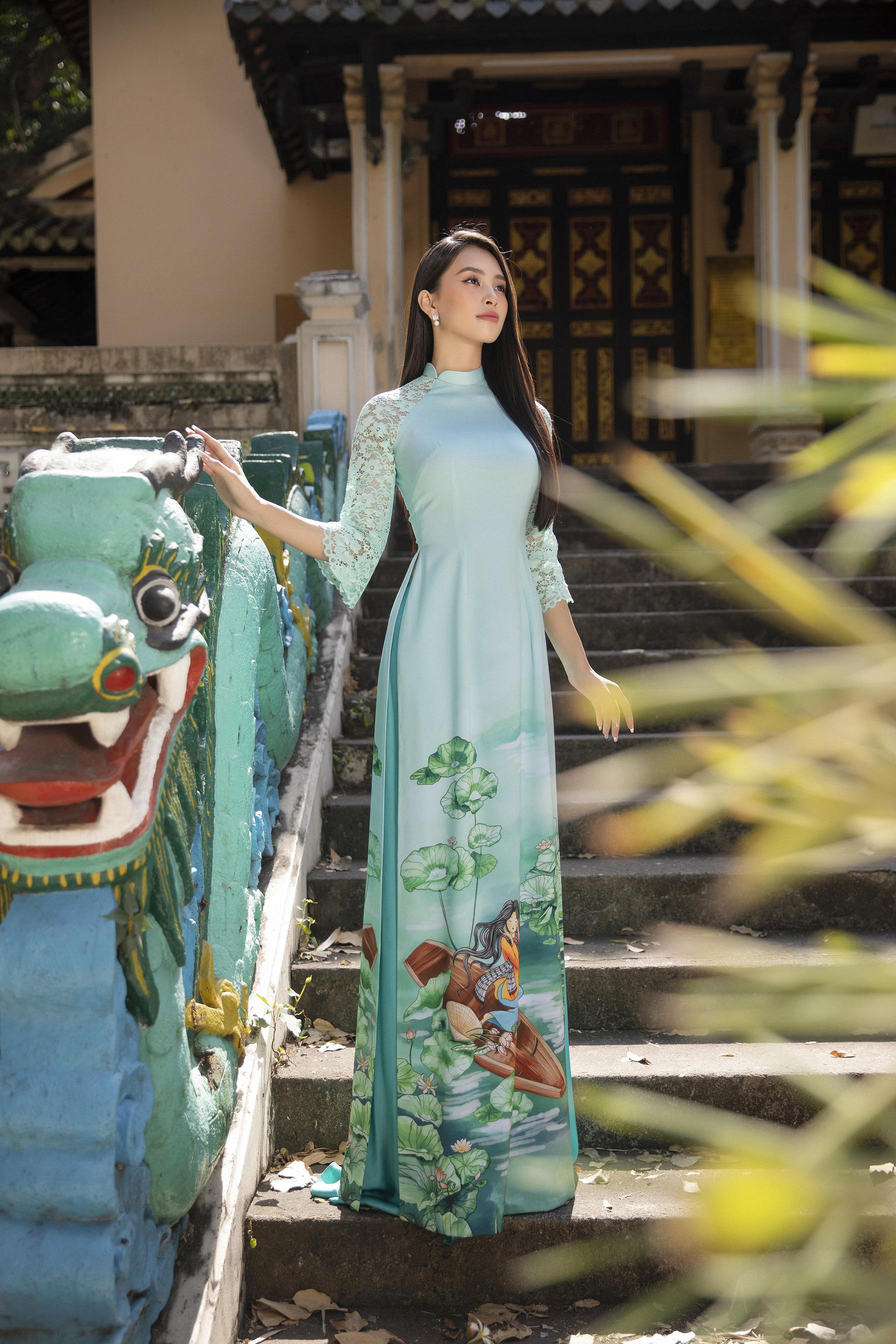 """""""Phát hờn"""" vì Trần Tiểu Vy mặc áo dài xinh đẹp xứng danh đại mỹ nhân cận Tết 2021  - Ảnh 3."""