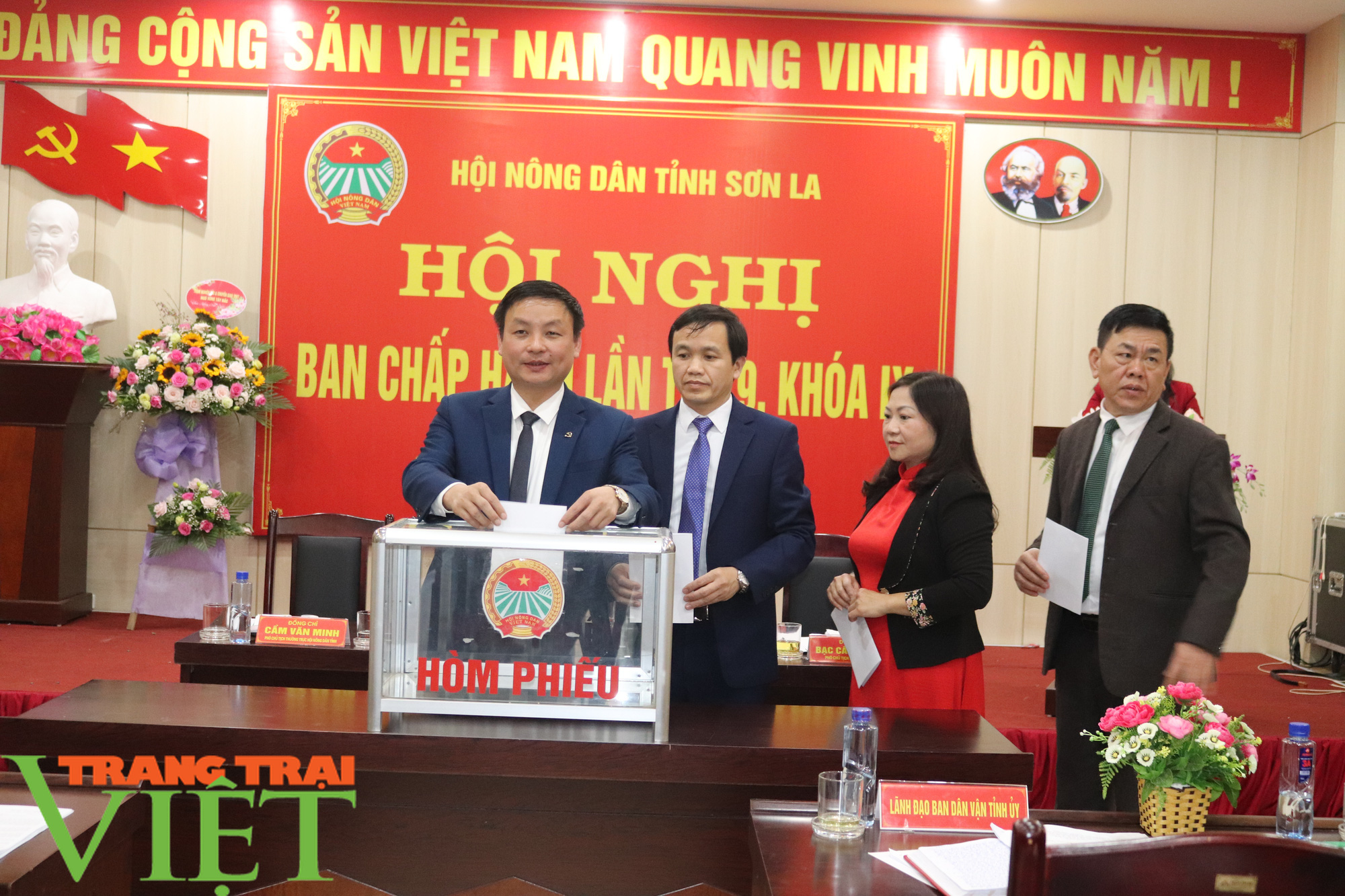 Hội Nông dân tỉnh Sơn La tổ chức Hội nghị Ban Chấp hành Hội Nông dân lần thứ 9, khoá IX - Ảnh 4.