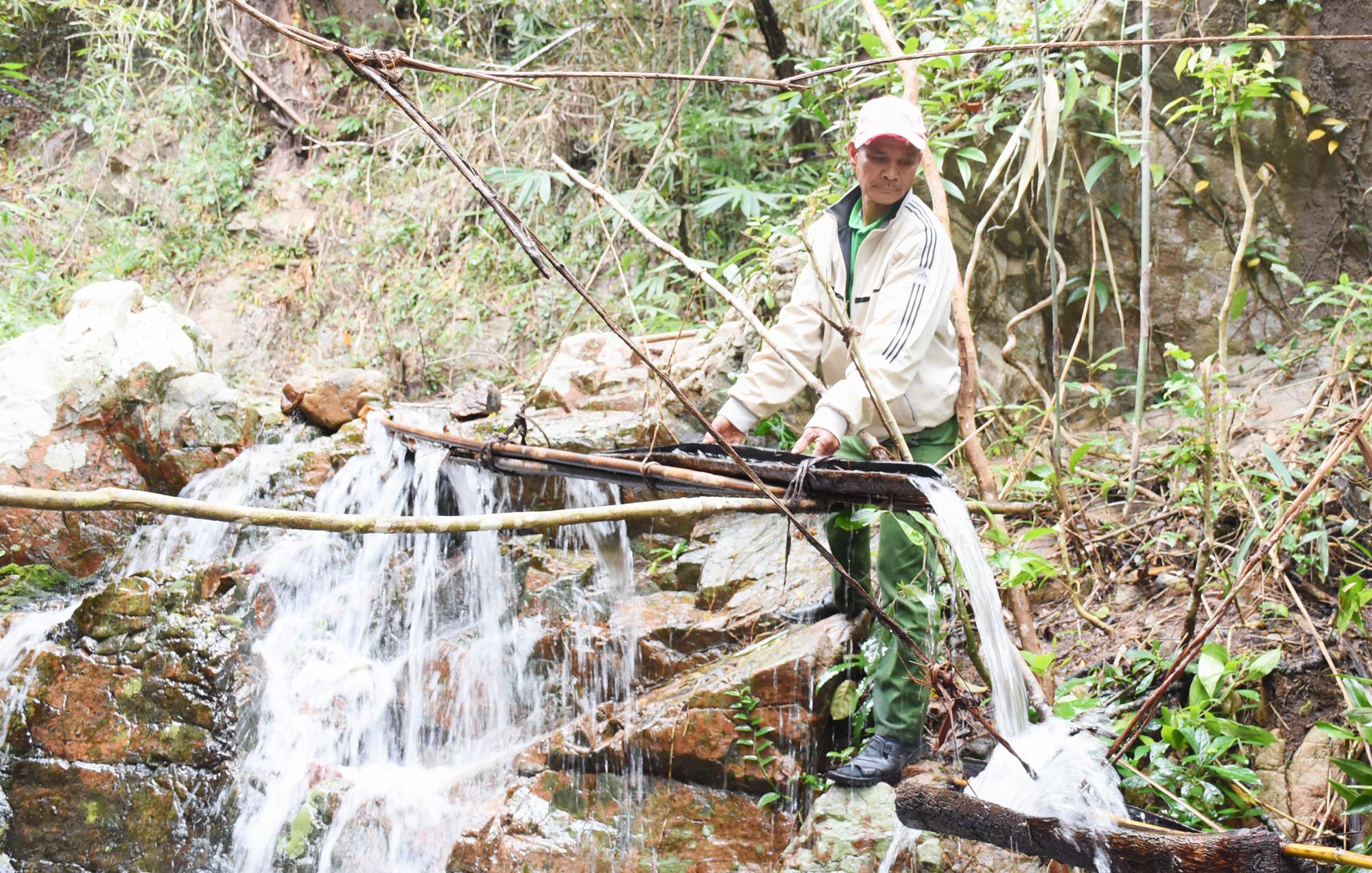 Gia Lai: Vùng đất lạ lẫm, nông dân làm ra thứ đàn cứ có nước suối chảy mới thành thứ thanh âm vọng về - Ảnh 1.