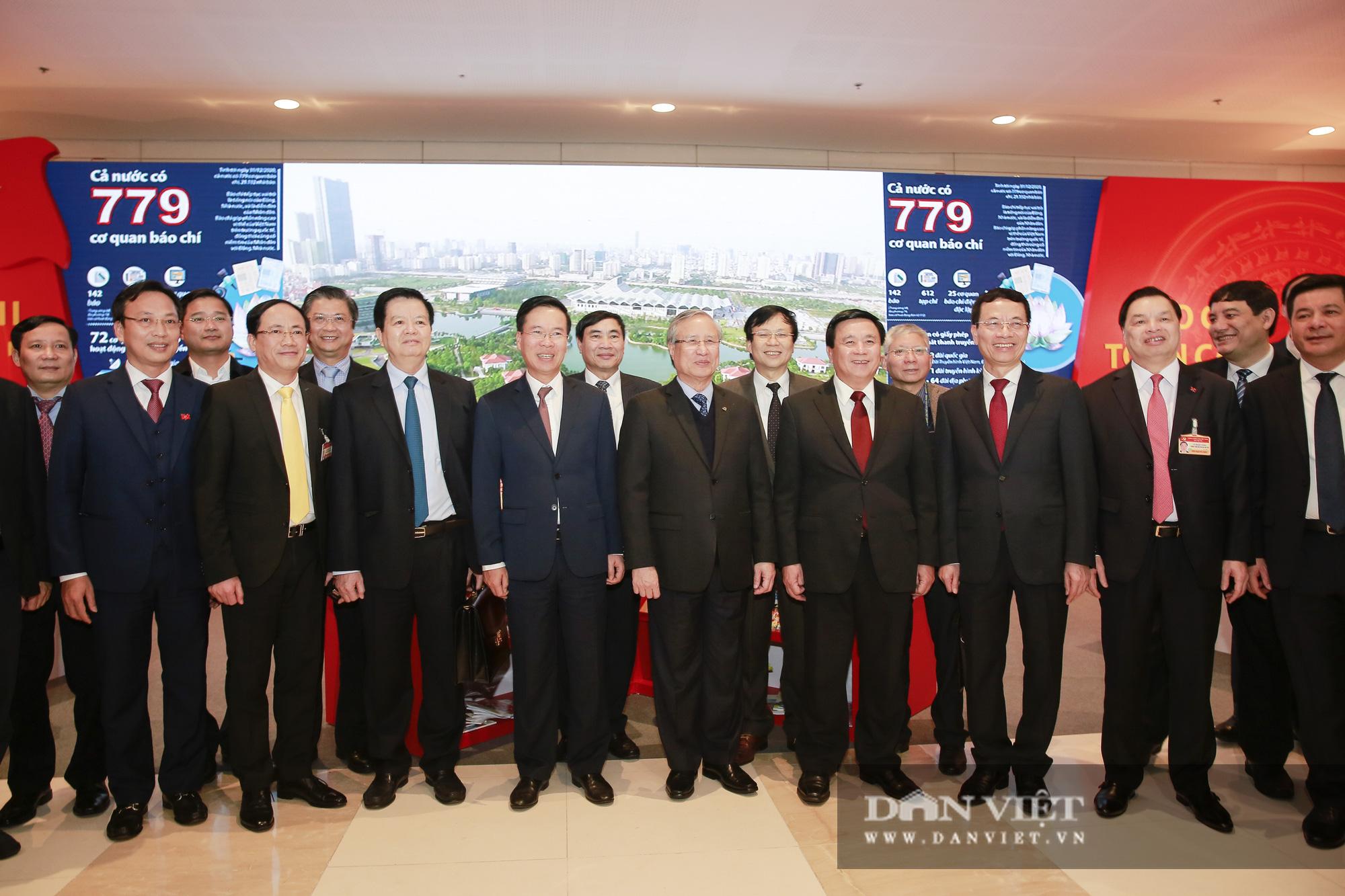 Khai trương trung tâm báo chí phục vụ Đại hội XIII của Đảng - Ảnh 11.