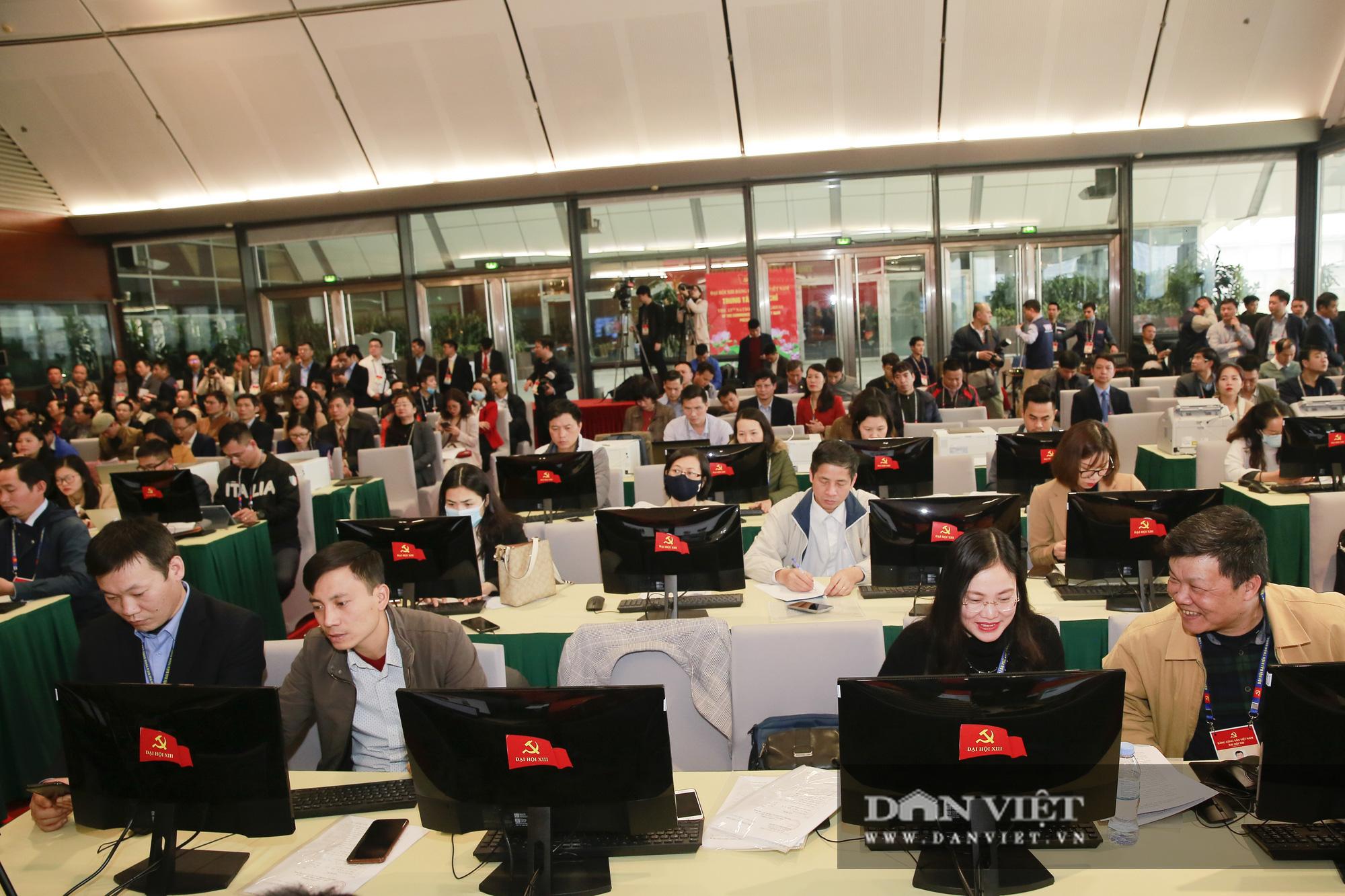 Khai trương trung tâm báo chí phục vụ Đại hội XIII của Đảng - Ảnh 2.