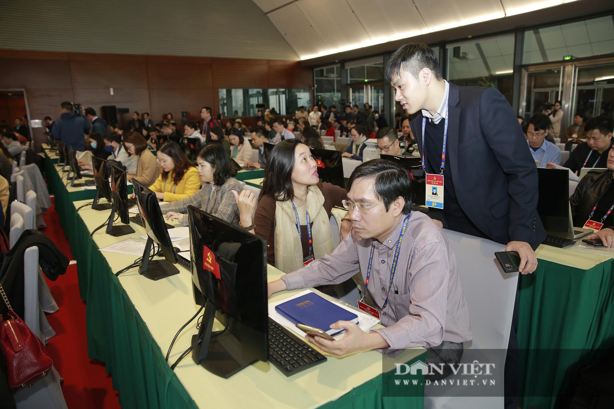 Khai trương trung tâm báo chí phục vụ Đại hội XIII của Đảng - Ảnh 3.