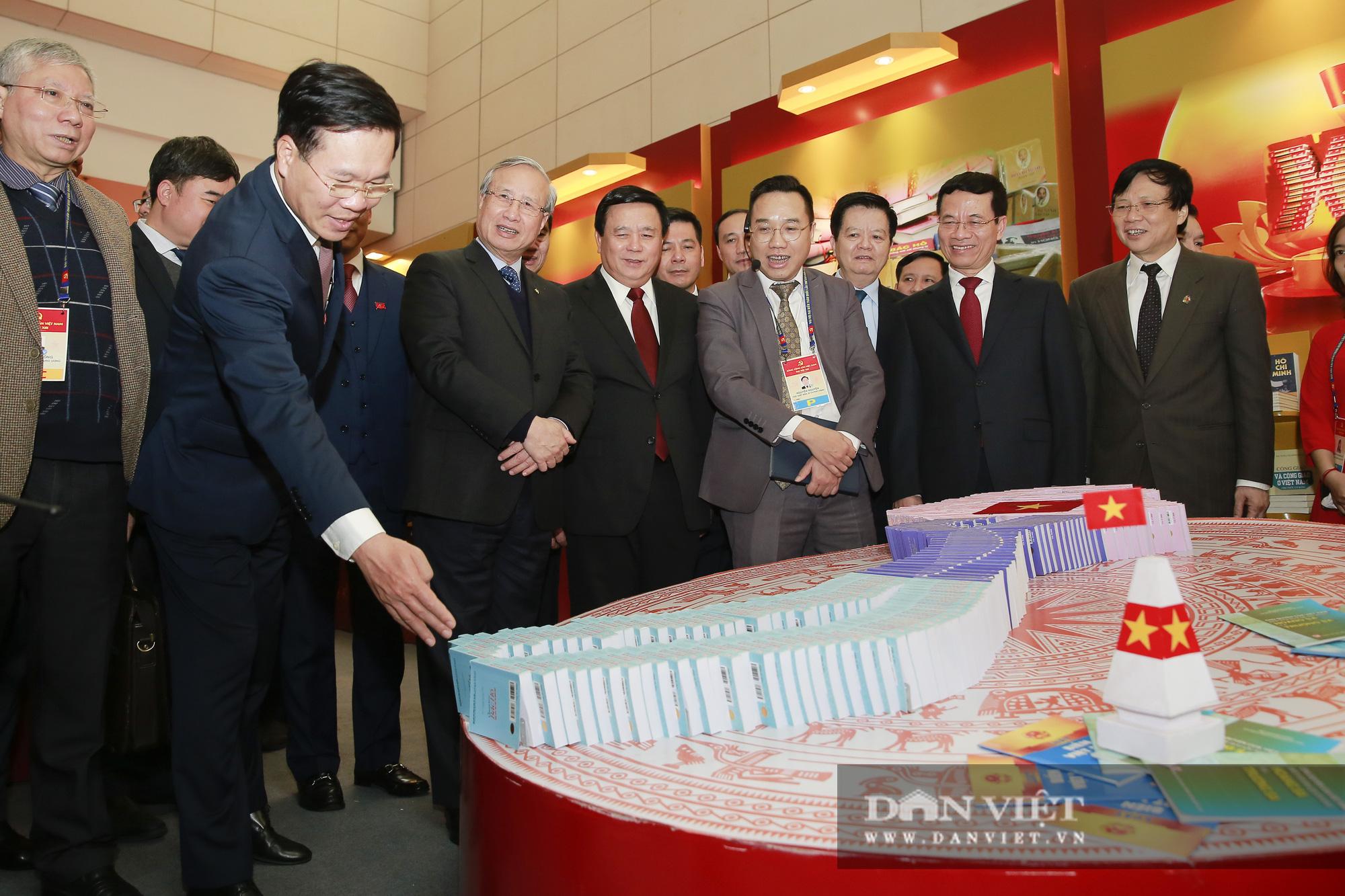 Khai trương trung tâm báo chí phục vụ Đại hội XIII của Đảng - Ảnh 4.