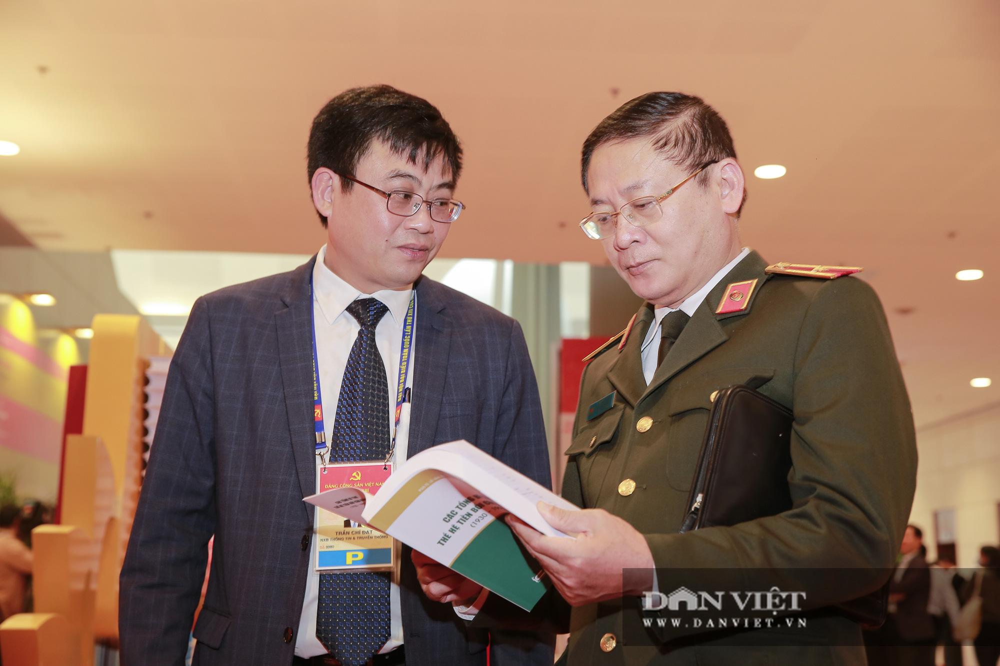 Khai trương trung tâm báo chí phục vụ Đại hội XIII của Đảng - Ảnh 9.