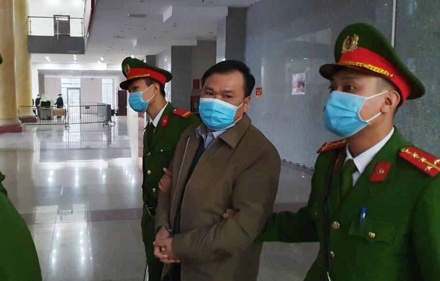 Sáng nay ông Đinh La Thăng hầu tòa - Ảnh 2.