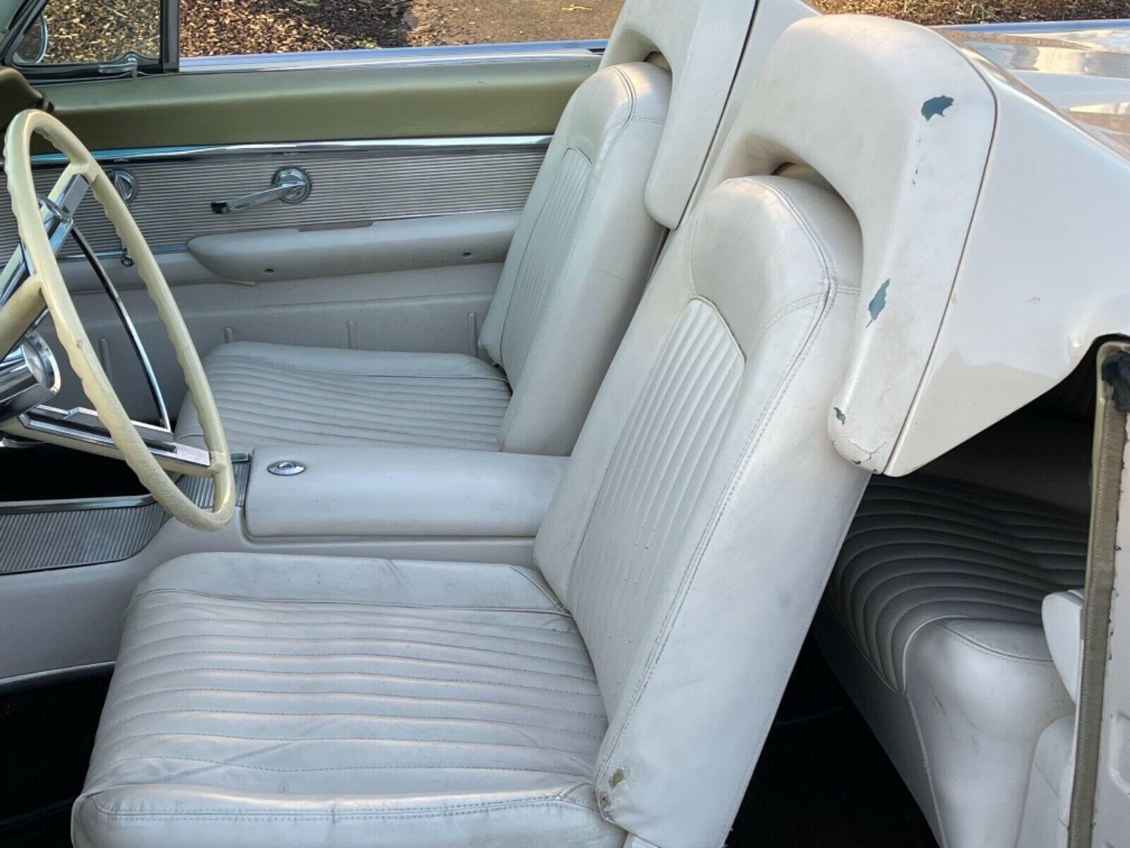 Ford Thunderbird 1962 nguyên bản xuất hiện sau 22 năm - Ảnh 5.