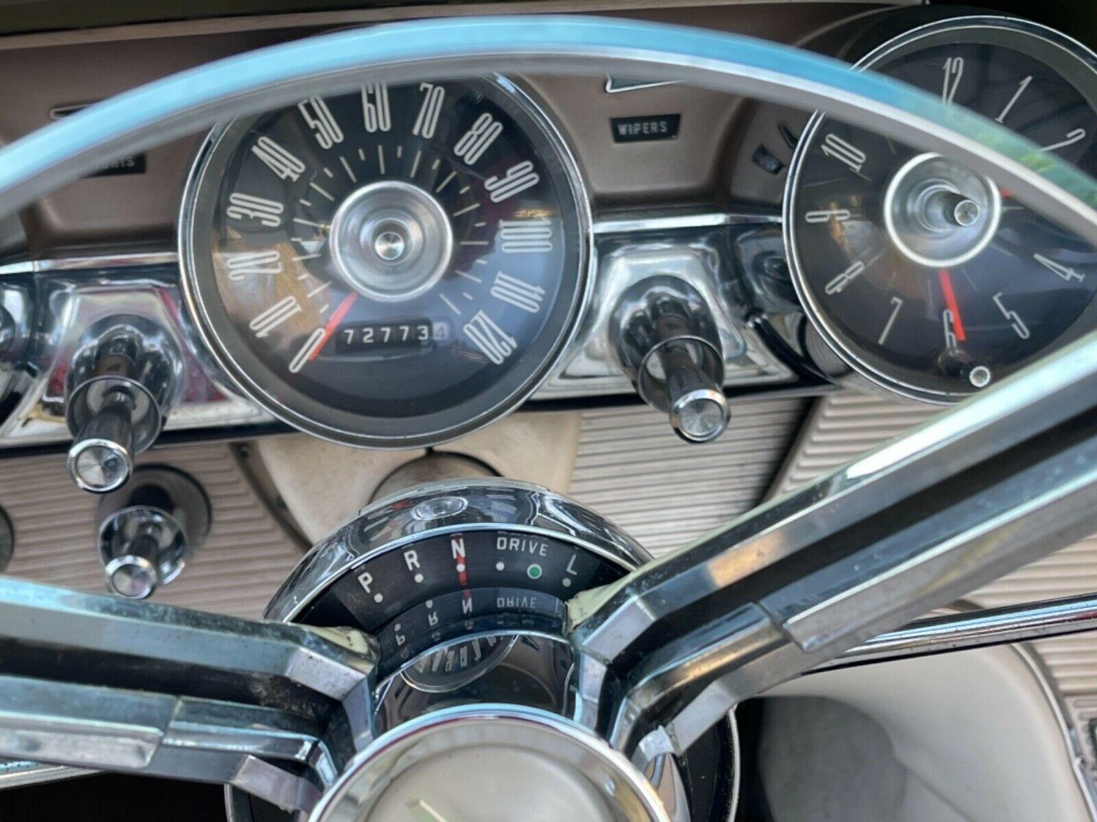 Ford Thunderbird 1962 nguyên bản xuất hiện sau 22 năm - Ảnh 4.