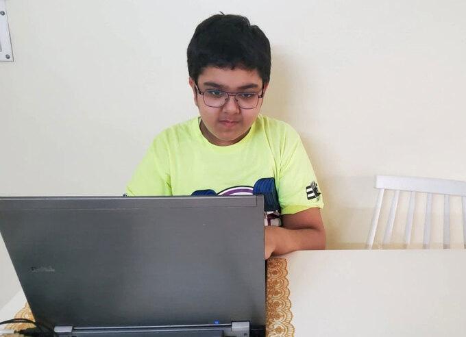 Cậu bé 11 tuổi thiết kế 13 ứng dụng di động - Ảnh 1.