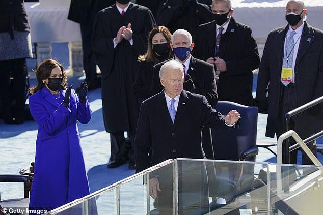 Tổng thống Mỹ Biden lần đầu thừa nhận biện pháp khẩn cấp là cần thiết - Ảnh 1.