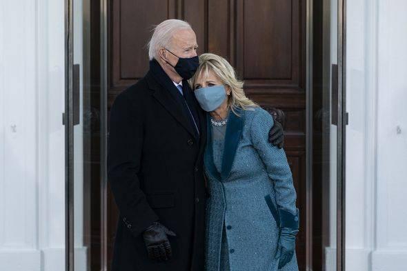 Trump cố tình làm điều này khiến ông Biden phải chờ đợi bên ngoài Nhà Trắng ngày nhậm chức? - Ảnh 1.