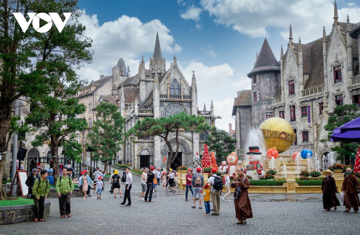 Du lịch Tết Đà Nẵng: Từng bừng lễ hội và giá nghỉ dưỡng ưu đãi lên tới 60% - Ảnh 4.