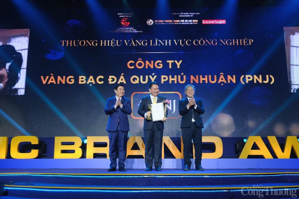 PNJ được vinh danh Thương hiệu vàng - Ảnh 1.