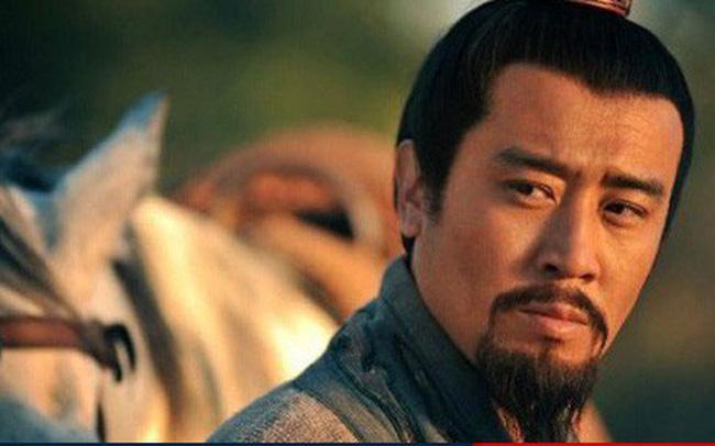 Thay chủ như thay áo, tại sao Lưu Bị vẫn được các chư hầu đua nhau săn đón? - Ảnh 3.