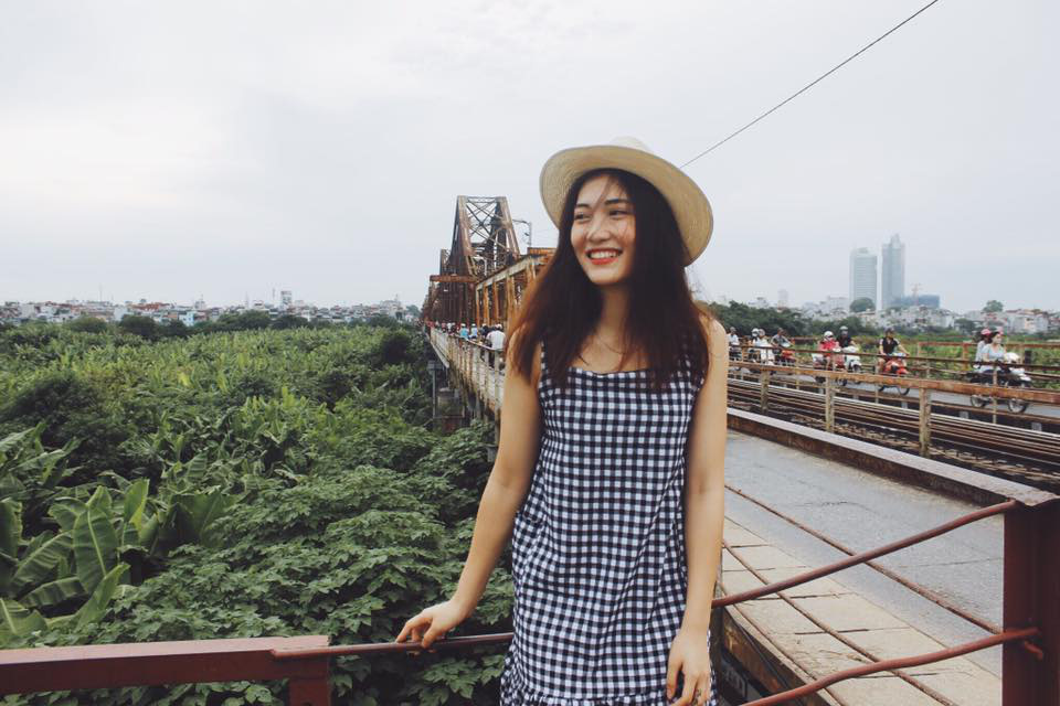 """""""Hot girl"""" bóng chuyền Trần Việt Hương: Cao 1m78, thiếu úy tuổi 21 - Ảnh 6."""