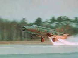 MiG-21 của Việt Nam từng có khả năng cất cánh bằng tên lửa trợ lực - Ảnh 1.