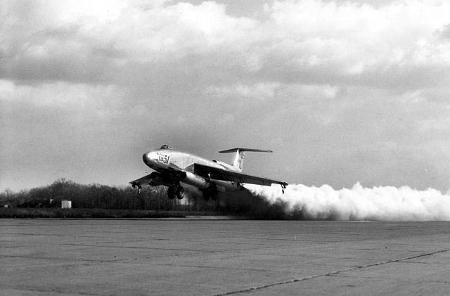 MiG-21 của Việt Nam từng có khả năng cất cánh bằng tên lửa trợ lực - Ảnh 9.