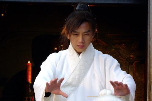 Kiếm hiệp Kim Dung: 5 cao thủ không sợ độc, người đứng đầu lại không mê luyện võ - Ảnh 2.