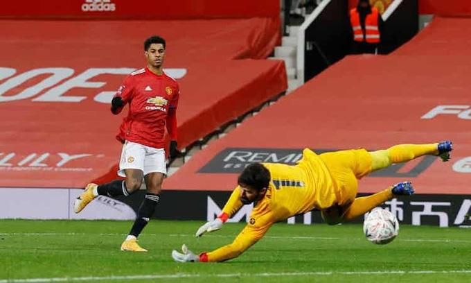 Highlight: Bruno Fernandes ghi siêu phẩm sút phạt, Man Utd đá văng Liverpool khỏi FA Cup - Ảnh 3.