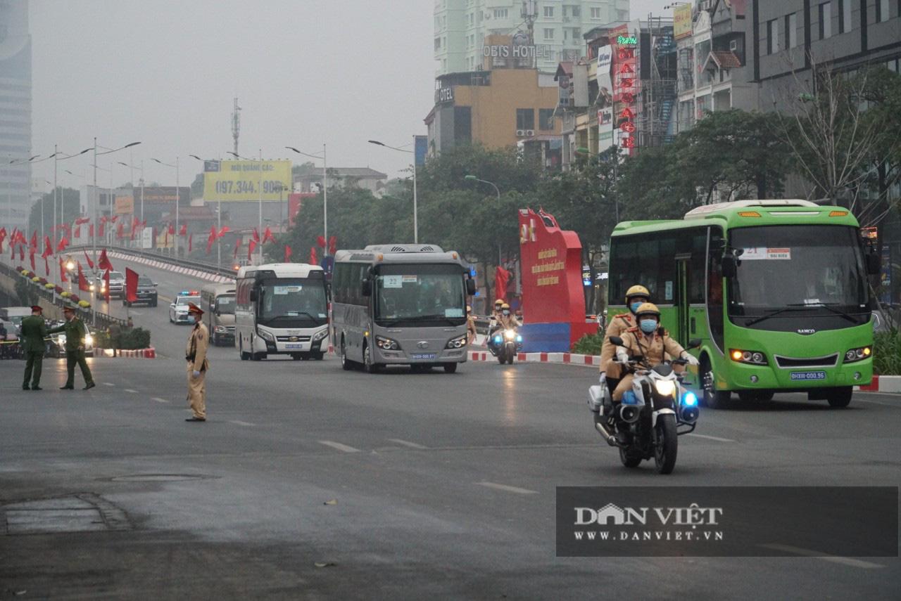Hình ảnh đoàn xe đại biểu từ Lăng Bác về Trung tâm Hội nghị Quốc gia - Ảnh 13.