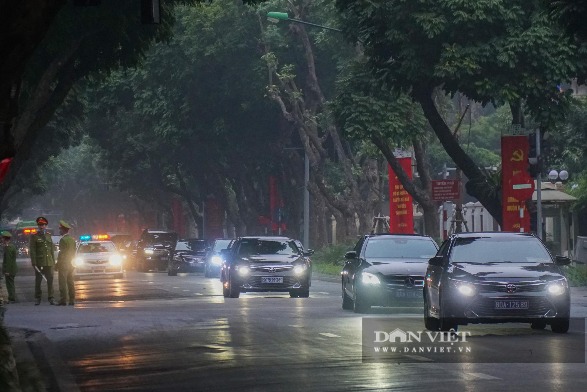 Hình ảnh đoàn xe đại biểu từ Lăng Bác về Trung tâm Hội nghị Quốc gia - Ảnh 10.