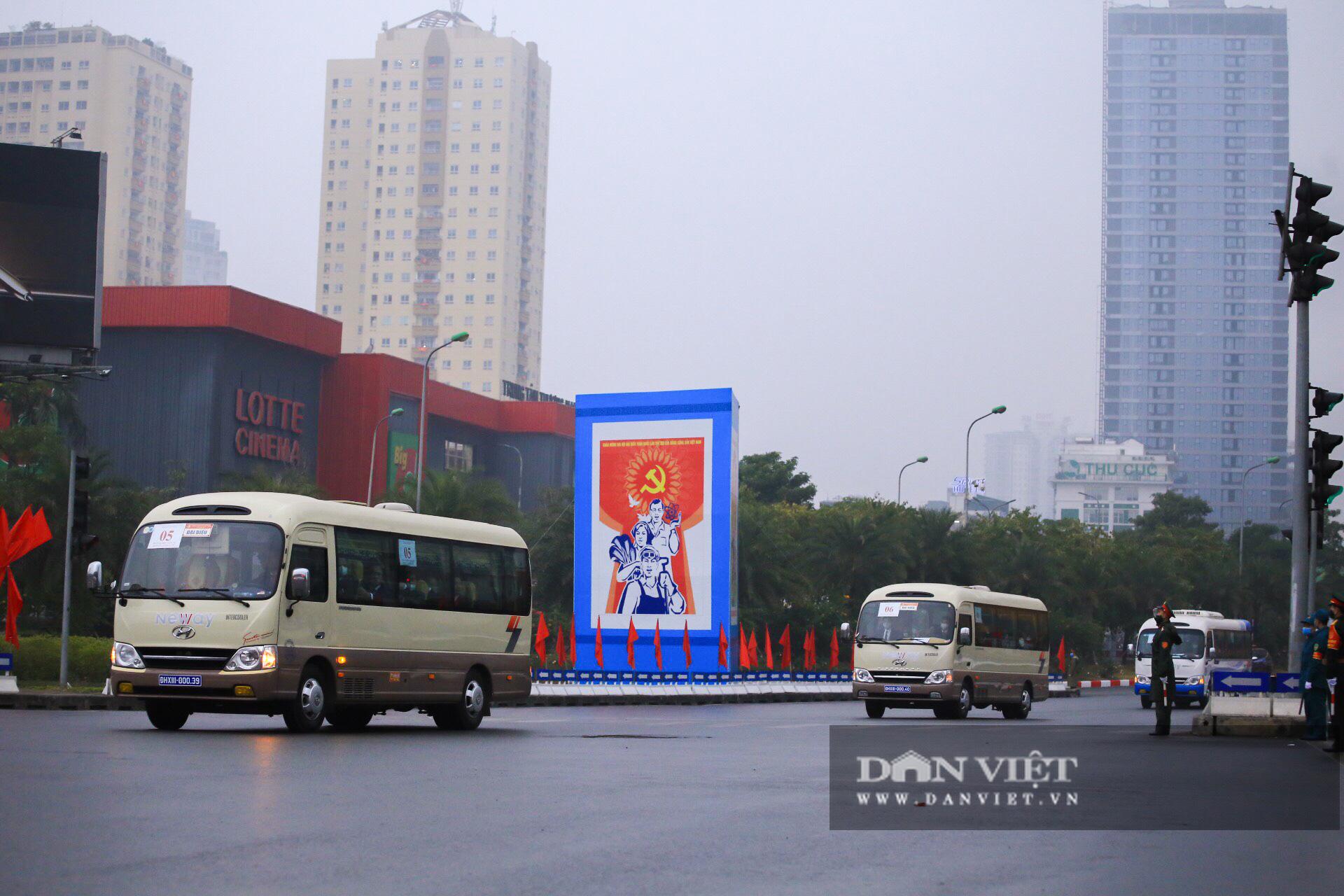 Hình ảnh đoàn xe đại biểu từ Lăng Bác về Trung tâm Hội nghị Quốc gia - Ảnh 15.