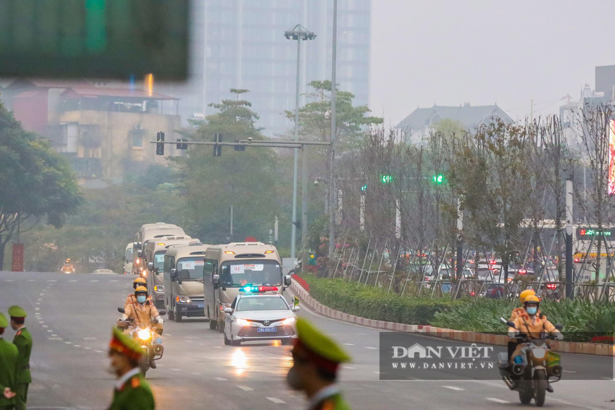 Hình ảnh đoàn xe đại biểu từ Lăng Bác về Trung tâm Hội nghị Quốc gia - Ảnh 12.