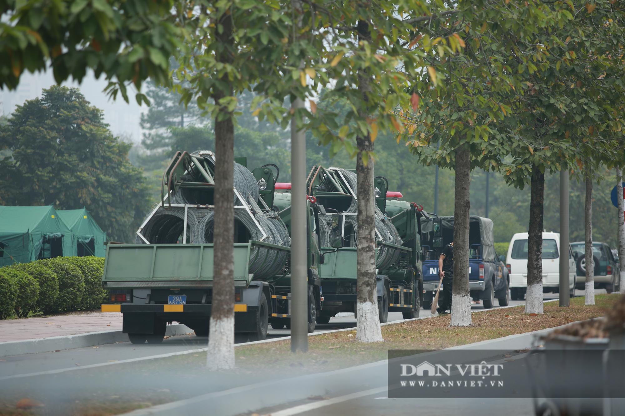 """Cận cảnh dàn xe """"khủng"""" làm nhiệm vụ bảo vệ đại hội Đảng trong Trung tâm Hội nghị Quốc gia - Ảnh 9."""